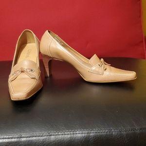 Womans casual heel